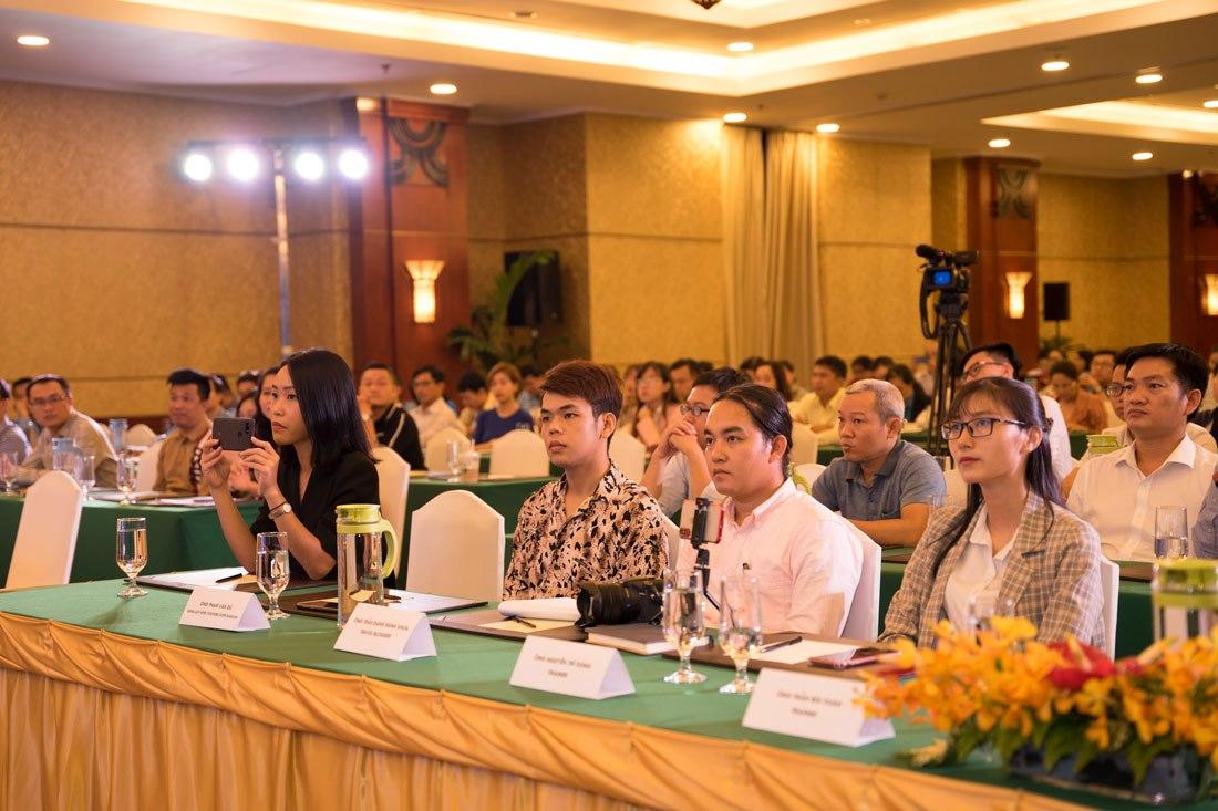 Toàn cảnh không gian khán phòng tại workshop ngày 9 tháng 7 của Google và Sở Du Lịch TP HCM tổ chức tạp REX Hotel.